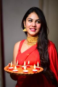 Rittika Sen Biography Wiki Age Profession Monthly Income Qualification Boyfriend Affairs Father Name Mother Name Car Details Net Worth