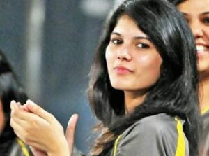 Kaviya Maran Biography Wiki Age Profession Monthly Income Qualification Boyfriend Affairs Father Name Mother Name Car Details Net Worth