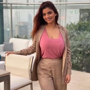 Anveshi Jain Biography Wiki Age Profession Monthly Income Qualification Boyfriend Affairs Father Name Mother Name Car Details Net Worth