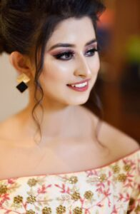 Somi Khan Wiki Age Family Profession Monthly Income Qualification Boyfriend Affairs Husband Biography Father Name Mother Name Cars Net Worth